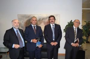 Da sinistra a destra: il Prof. Gregorio Monaco, i giornalisti Antonio Trovato e Antonio Garozzo, il Prof. Alfonso Sciacca