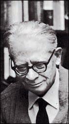 Lo scrittore Carlo Caianello